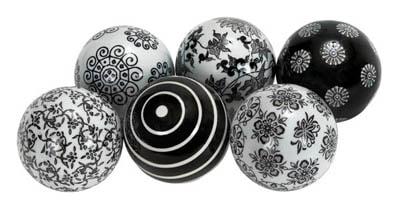 Set Of 6 Black And White Balls Globe Imports